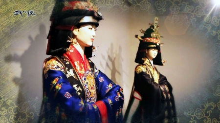 궁궐 복식에서 조선의 패션을 보다