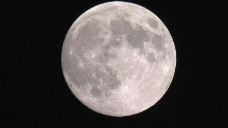 """""""가장 높이 뜬 보름달…25일 0시 10분에 본다"""""""