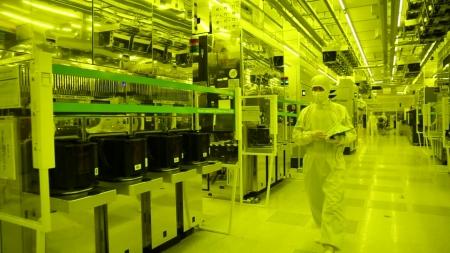 삼성 주력 '반도체' 휘청...수출도 비상