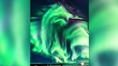 아이슬란드에 뜬 '龍' 모양 오로라
