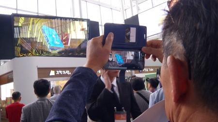 서울역에 6.5m 무안경 3D 디스플레이 설치