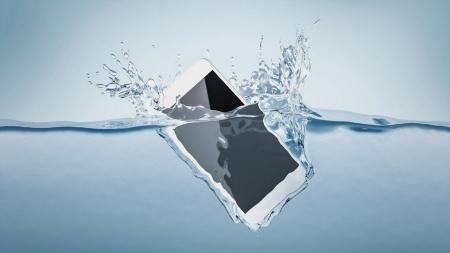 [스마트라이프] 물속에서도 안전한 스마트폰…방수 기능과 진화