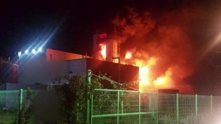 천안 공장 화재로 질산·황산 혼합액 3톤 누출
