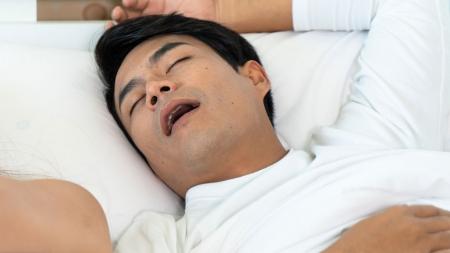 수면무호흡증 방치하면 뇌 조직 손상