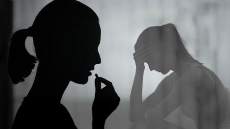 [과학본색] ②사춘기 시절 피임약 복용, 성인기 우울증↑