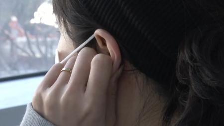 마스크 오래 쓰니 귀통증...해결 방법은?