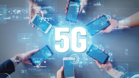 """[스마트라이프] 세계 최초 5G 상용화 1년…""""시장 선점했지만 과제도 많아"""""""