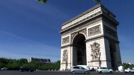 오늘부터 이동제한 풀리는 프랑스...'등교 재개' 고심