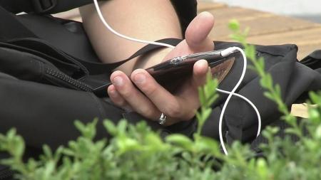 스마트폰 사용자 과반, 온라인동영상 시청