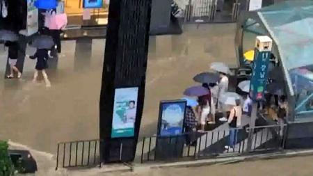 서울 강남역·도림천 또 물난리...상습침수 못 막나