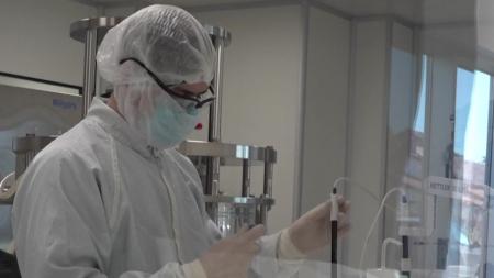 아스트라제네카, 백신 부작용에 임상시험 일시 중단