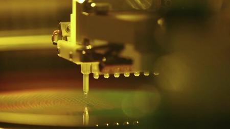 삼성전자·SK하이닉스, 15일부터 中 화웨이에 판매 중단