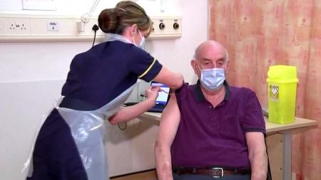 영국, 아스트라제네카 백신 세계 최초 접종 시작
