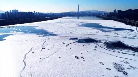 [날씨학개론] '전국이 꽁꽁' 20년 만의 기록적인 한파…이유는 '지구온난화' 때문?