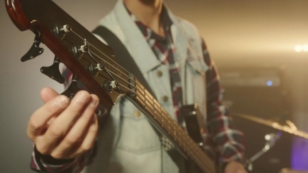 [사이언스&라이프] 세상에서 가장 작은 오케스트라, 기타와 사랑에 빠진 남자