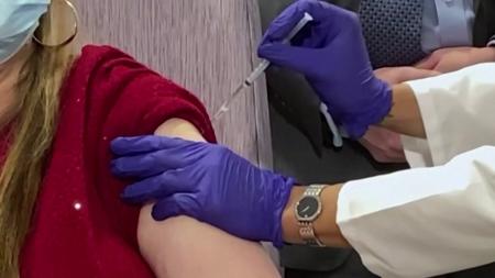 미 CDC 자문단, 면역 취약층 부스터샷 사실상 권고