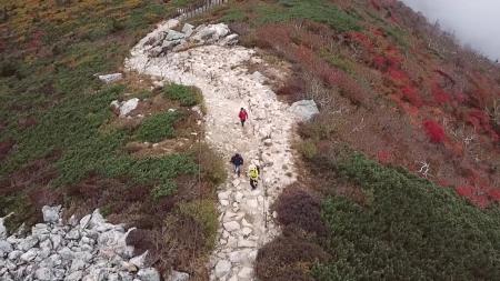 설악산 첫 단풍 9월 28일...평년보다 1∼3일 늦어
