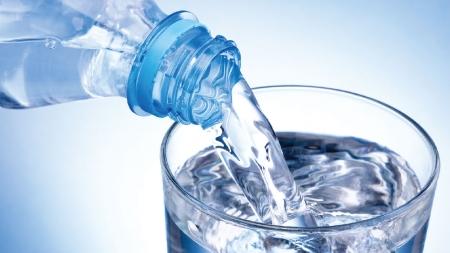 [30초 과학] 페트병 물을 잘 따르는 절대각도가 있다?