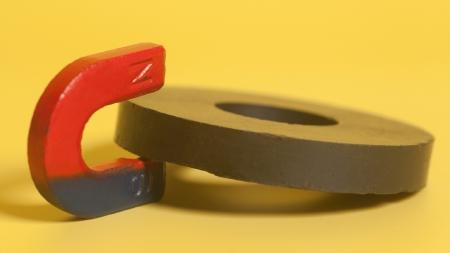[30초 과학] 자석을 반으로 자르면 어떻게 될까?!