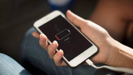[30초 과학] 추운 겨울날, 핸드폰 배터리가 빨리 닳는 이유는?